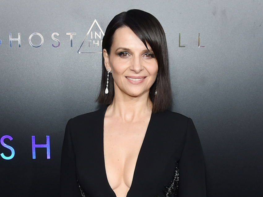Juliette Binoche usó Chopard en la premiere de Ghost in the Shell